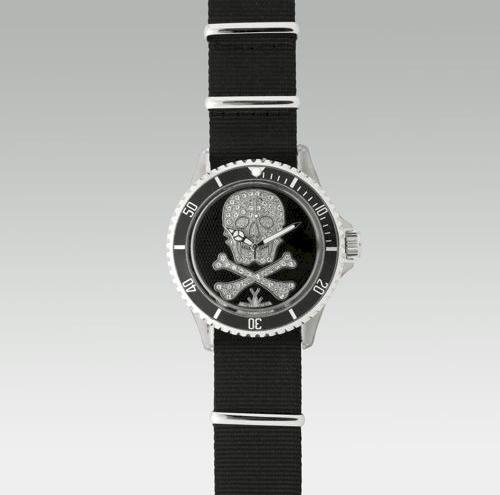 toy-watch-black-skull-crossbones-watch.jpg