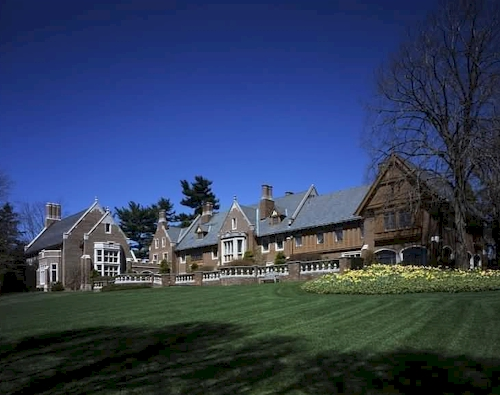 139-million-wexford-hall-new-canaan-ct-2.jpg
