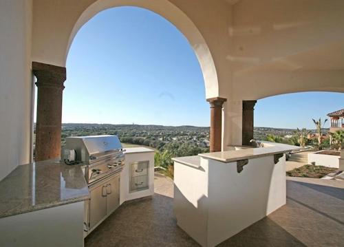 25-million-ultra-custom-mediterranean-luxury-experience-in-san-antonio-tx-8.jpg