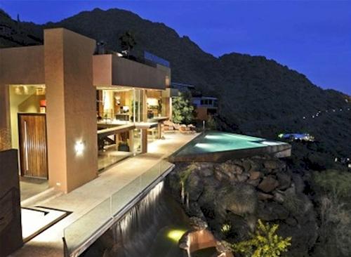 $9.4 Million Camelback Mountainside Estate in Phoenix, Arizona