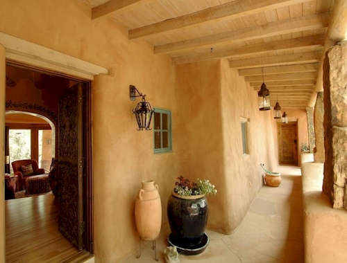 Estate of the day 7 4 million adobe in santa fe new mexico for Santa fe adobe homes