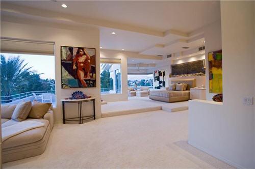 Estate Of The Day 3 7 Million Contemporary Home In Las