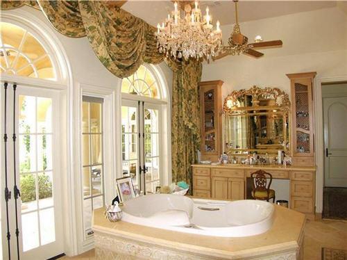 master bath with spa tub