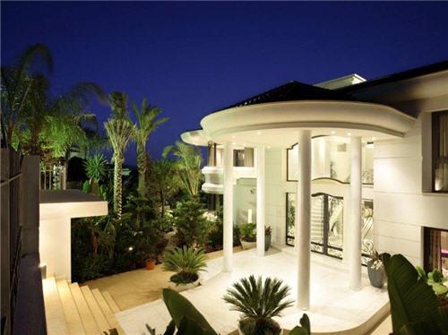 Ultra Modern Design in Marbella, Spain