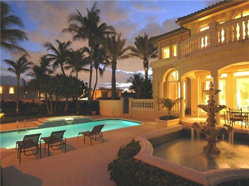 $9.9 Million Exquisite Oceanfront Mediterranean Villa in Palm Beach, Florida