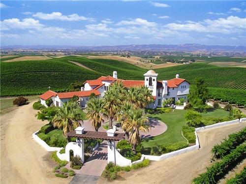 $9.9 Million 168 Acre Vineyard Estate in San Miguel, California