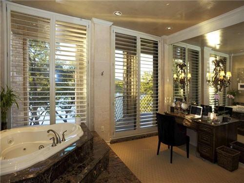 12-million-lake-luxury-estate-in-austin-texas-11