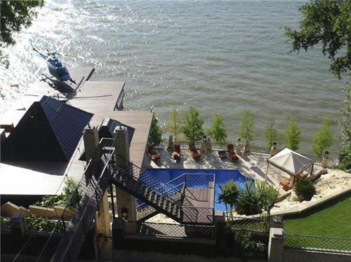 12-million-lake-luxury-estate-in-austin-texas-16