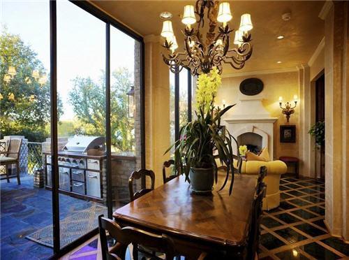 12-million-lake-luxury-estate-in-austin-texas-9