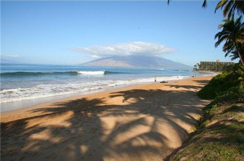 185-million-beachfront-home-in-wailea-hawaii-4