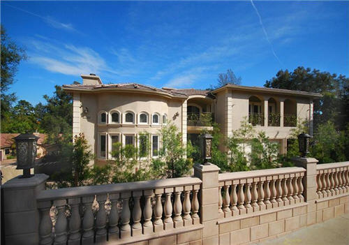 $6.9 Million French Gated Estate in Encino, California
