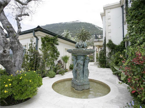 french-colonial-style-villa-in-gibraltar-2