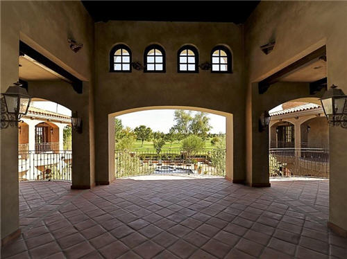 125-million-stunning-mansion-in-phoenix-arizona-12