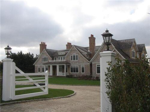 199-million-english-country-house-in-bridgehampton-new-york-11