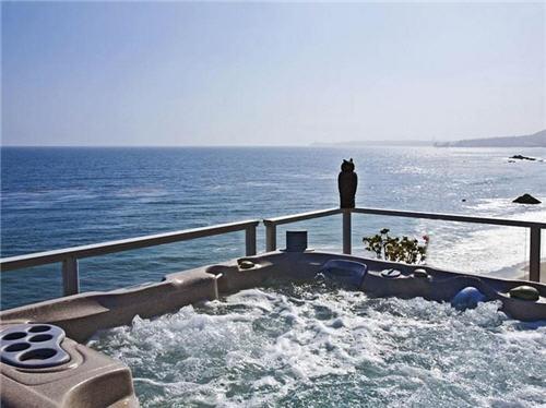 125-million-beach-estate-in-malibu-california-13
