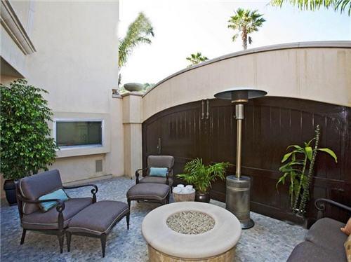 125-million-beach-estate-in-malibu-california-4