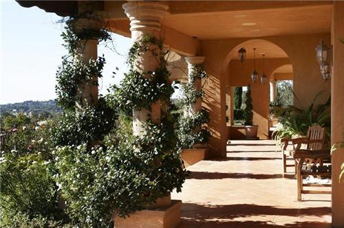 69-million-mediterranean-villa-in-malibu-california-3