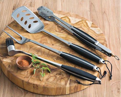 monogrammed-grill-tools-set
