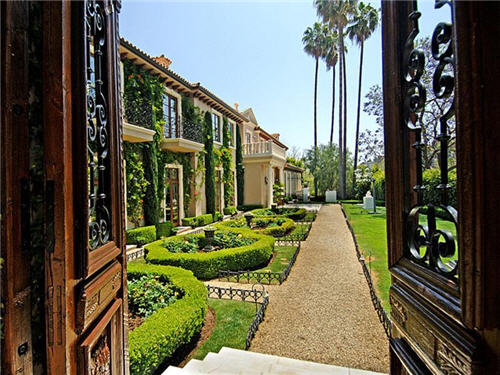 229-million-classic-mediterranean-palazzo-villa-in-los-angeles-california-4