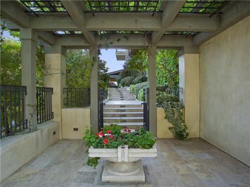 79-million-villa-in-beverly-hills-california-10