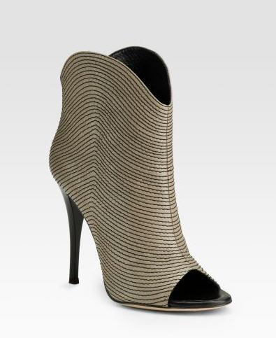 giuseppe-zanotti-contrast-stitch-ankle-boots