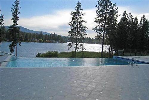85-million-luxury-custom-waterfront-villa-in-post-falls-idaho-10