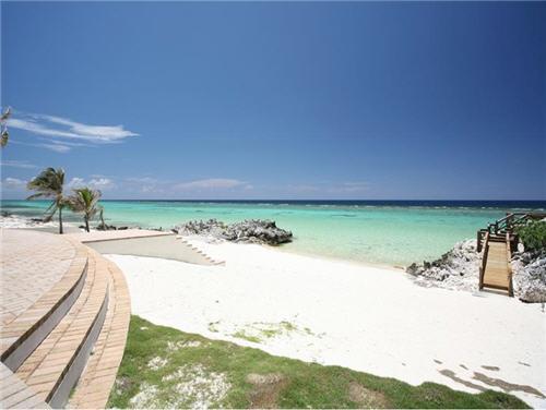 $7.9 Million Villa Del Mare in Cayman Islands 6