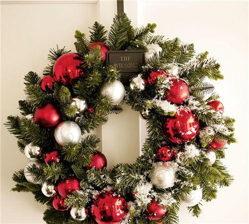 personalized-door-wreath-hanger-2