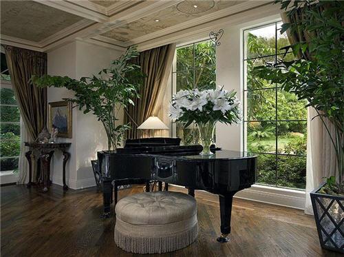 $19.5 Million Mediterranean Style Estate in Santa Barbara California 5