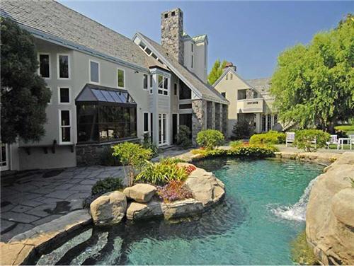 $16.5 Million Luxe Estate in Santa Monica California 10