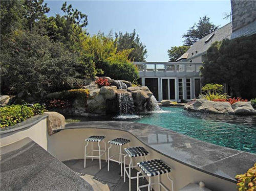 $16.5 Million Luxe Estate in Santa Monica California 11