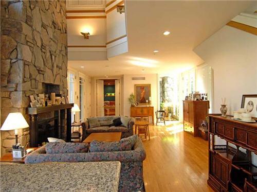 $16.5 Million Luxe Estate in Santa Monica California 3