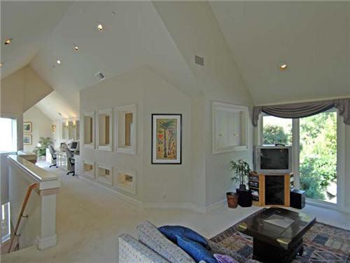 $16.5 Million Luxe Estate in Santa Monica California 9