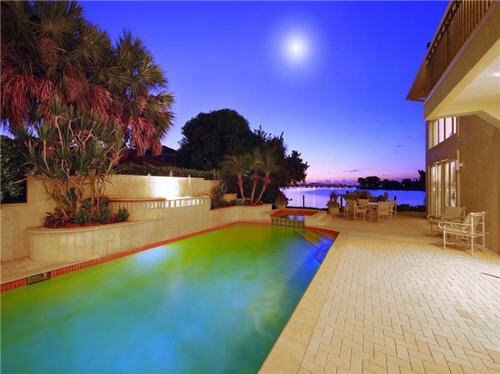 $3.8 Million Sleek Estate in Sarasota Florida 14