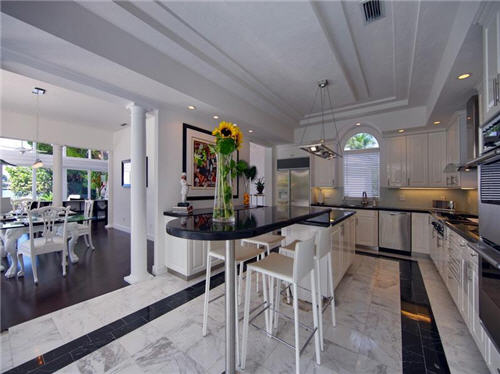 $3.8 Million Sleek Estate in Sarasota Florida 7
