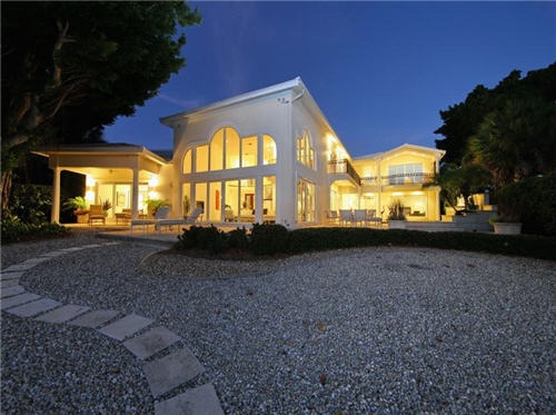 $3.8 Million Sleek Estate in Sarasota Florida