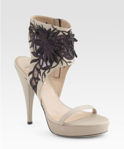 Valentino Embroidered Flower Sandals :  sandals shoes beige heel