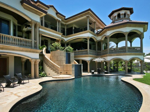 Estate of the day 22 9 million beachfront mansion in for Big houses in miami