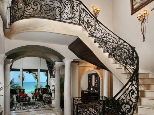 Estate of the day 22 9 million beachfront mansion in for Maison de luxe interieur