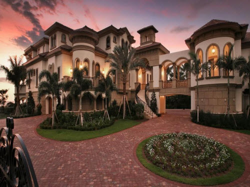 Estate of the day 22 9 million beachfront mansion in for Mega mansions in florida