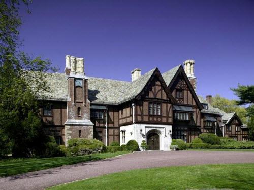 Estate Of The Day 17 Million Tudor Manor In Mill Neck