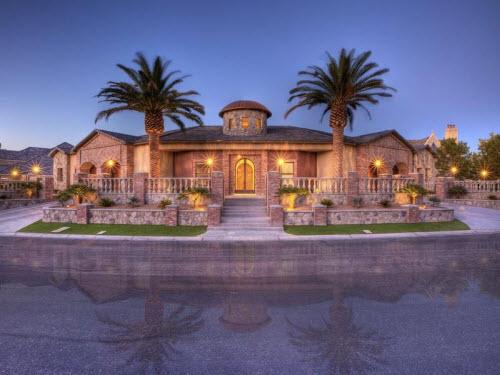 Estate of the day 3 9 million modernly elegant estate in for Outdoor pottery las vegas nv
