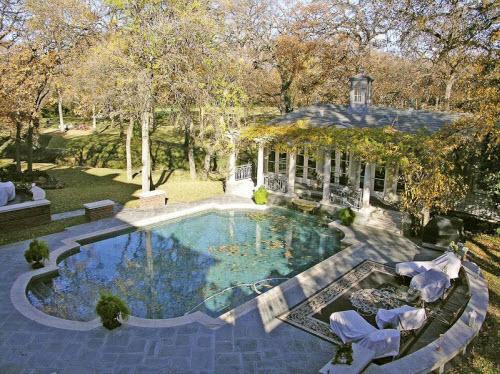 $7.9 Million Luxury Estate in Arlington Texas 8