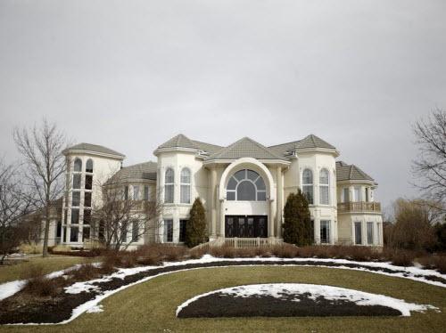 $3.75 Million Lavish Estate in Wadsworth Illinois