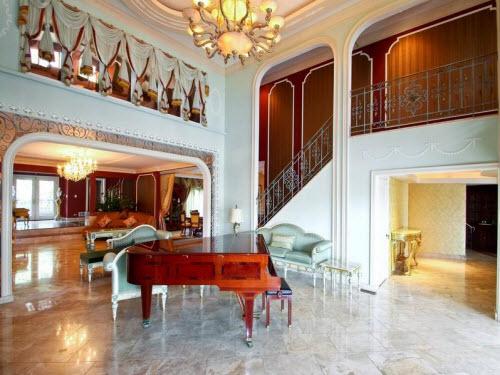 $3.9 Million Lake Front Estate in Highland Park Illinois 4