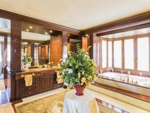$18 Million Prestigious Mediterranean Villa in Spain 7