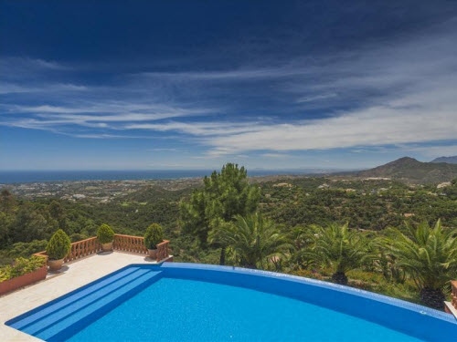 $18 Million Prestigious Mediterranean Villa in Spain 8