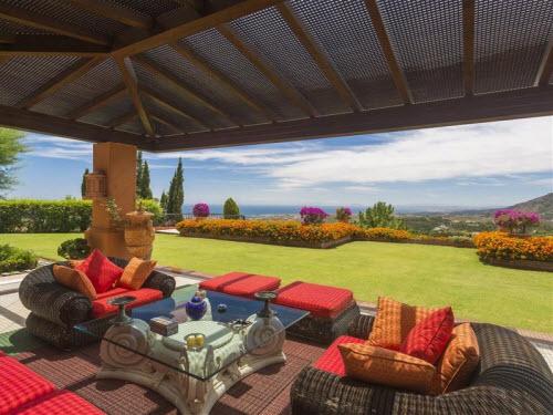 $18 Million Prestigious Mediterranean Villa in Spain 9