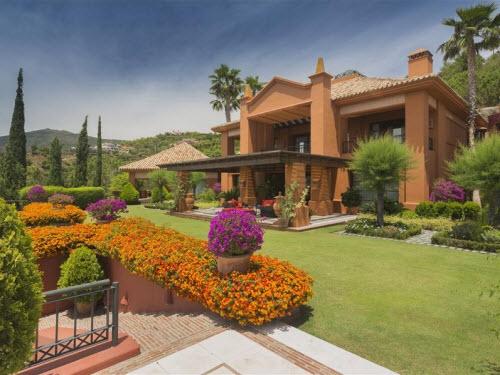 $18 Million Prestigious Mediterranean Villa in Spain
