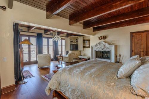 $19.9 Million Gated Mediterranean Mansion in Bridgehampton New York 7
